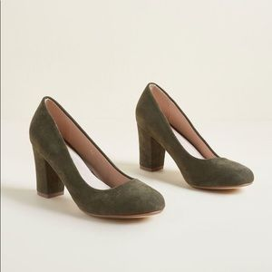 ModCloth Timeless Accent Olive Heel